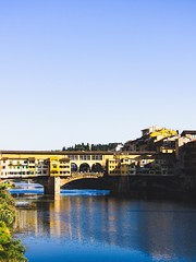 Florence 30/9/2018 (sabienvdberg) Tags: architecture bridge water river city pontevecchio europe toscana tuscany italia italy firenze florence