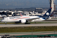 Aeromexico | Boeing 787-8 | N965AM | Los Angeles International (Dennis HKG) Tags: aircraft airplane airport plane planespotting skyteam canon 7d 100400 losangeles klax lax aeromexico amx am mexico boeing 787 7878 boeing787 boeing7878 dreamliner n965am
