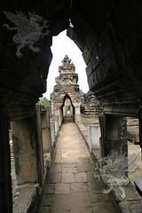 Angkor_Baphuon_2014_13