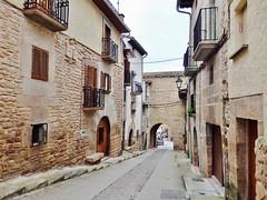 Zirauki- Navarra (EduOrtÍn.) Tags: arco calle casa balcón cirauqui zirauki comunidadforaldenavarra navarra nafarroa