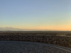 (Paolo Cozzarizza) Tags: italia friuliveneziagiulia pordenone spilimbergo panorama alba cielo alberi muro
