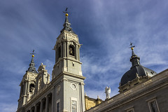Arquitectura madrileña (Camilo VanderHuck) Tags: madrid españa spain arquitectura calles street sky outdoors outside
