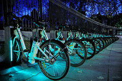 Parada de BiciMAD (iratxo.pichel) Tags: eosr madrid photowalk bicimad bicicletas bikes street atnight night noche