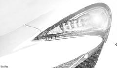 McLaren 570S (Reto Previtali) Tags: industrie technik detail cars automobil tropfen regen blackandwhite scwarzweiss sportwagen england mclaren rennwagen formen linien licht hell
