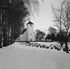 Vintage camera photography (steffos1986) Tags: nature landschaft landscape blackwhite blackandwhite vintage snow winter analog film kodak mediumformat tlr church architecture fineart art countryside outdoor outside norway norwegen norge europe scandinavia scenery view ice building trees squareformat 6x6
