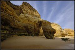 Praia De São Rafael (LilFr38) Tags: lilfr38 fujifilmxpro2 fujifilmfujinonxf1024mmf4rlmois algarve portugal praiadesãorafael beach ocean sand wave cliff rock plage océan sable vague rocher falaise