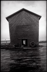 Ancien hangar agricole (Gauthier V.) Tags: exaktavarex angénieux35mmr1 rural hangar gembloux neige architecture namur belgium