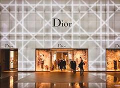 Dior@Taipei 101..... (Evo-PlayLoud) Tags: iphonex lightandshadows streetphotography psexpress dior interior design