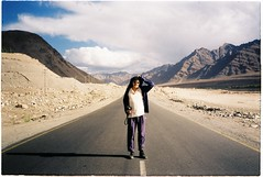 (grousespouse) Tags: ladakh 35mm analog film canonautoboyii sureshot autoboy analogue landscape leh highway himalayas mountains road portrait asia india kashmir scanned croplab grousespouse 2018