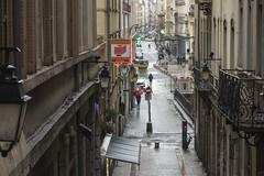 . (Le Cercle Rouge) Tags: lyon france terreaux rain pluie people streets