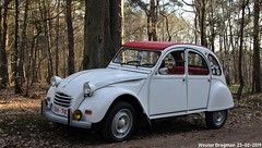 Citroën 2CV (XBXG) Tags: 1obh783 citroën 2cv citroën2cv 2pk eend geit deuche deudeuche 2cv6 blanc white winterhoesmeeting 2019 huppel lupinestraat hechteleksel hechtel eksel limburg vlaanderen belgië belgique belgium vintage old classic french car auto automobile voiture ancienne française france vehicle outdoor