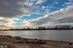 Wolken (trixi.mi) Tags: windig fluss water blau weis himmel wind februar canon kalt wolken