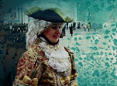 a rainy day at St. Petersburg (gabi lombardo) Tags: woman dame folklore stpetersburg russia people travel viaggio costume tracht