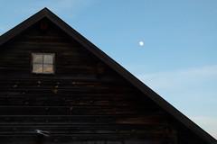 Afternoon reflections (evisdotter) Tags: afternoon reflections moon månen window båthus boathouse texture sky sooc sjökvarteret