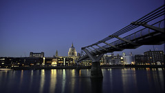Gateway to heaven (EricMakPhotography) Tags: stpauls cathedral london thames river sky dusk bluehour bridge