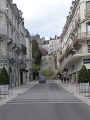 Blois, Loir-et-Cher: rue et escalier Denis Papin (Marie-Hélène Cingal) Tags: loiretcher blois 41 centrevaldeloire france