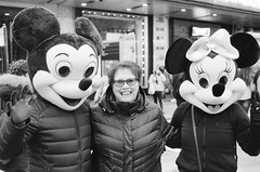 (AmSteinsgraben) Tags: newyork ny usa nikonf5 voigtländer 40mm nokton f20 ilford delta 3200 times square new york mickey mouse