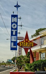 Starlite (podolux) Tags: 2019 sony sonya7 sonyilce—7 ilce7 a7 motel motelsign vintagesign starlitemotel lasvegas nevada nv vintagevegas roadtrip roadside sign signs lasvegasblvd northlasvegas clarkcounty