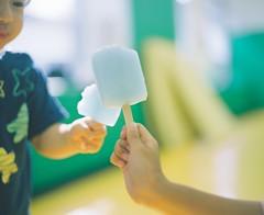 Cheers! (Yuki Ishikawa Photography) Tags: summer icepops siblings pentax67 backlight mediumformat 東京 夏 アイスキャンディー バケペン 中判カメラ 兄弟