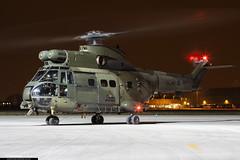 XW199 - Westland Puma HC1 - No. 33 Squadron, RAF (KarlADrage) Tags: xw199 westlandpumahc1 sa330 aerospatiale 33sqn 33squadron raf royalairforce rafnortholt nht helicopter