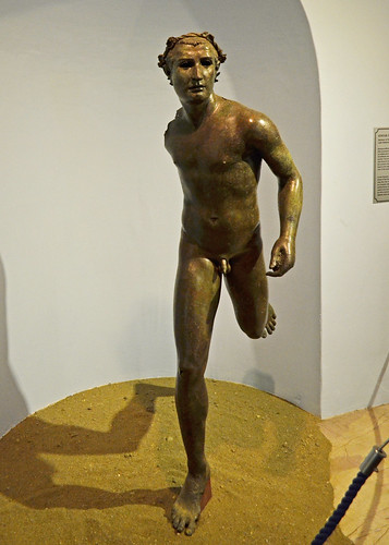 Hellenistic bronze statue of a running athlete, 2