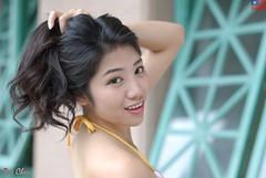 艾森 (玩家) Tags: 2019 台灣 台北 水博館 人像 外拍 正妹 模特兒 比基尼 泳裝 艾森 戶外 定焦 無後製 無修圖 taiwan taipei portrait glamour model girl female bikini eisen outdoor d40x 50mm prime