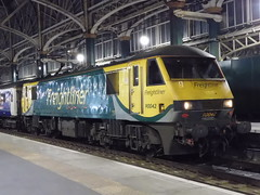 Freightliner 90042 at Glasgow Central (22/02/2019) (2) (David Hennessey) Tags: freightliner class 90 electric locomotive 90042 glasgow central caledonian sleeper