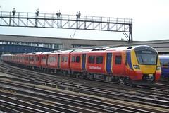 South Western Railway Class 707 707022 - Clapham Junction (dwb transport photos) Tags: southwesternrailway siemens desirocity emu 707022 claphamjunction london