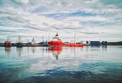 Aberdeen Harbour (iaiz) Tags: aberdeen harbour aberdeenharbour sea port boat vessel supply water waves reflect reflection beautiful colourful clouds skyline sky