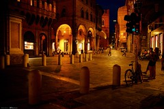 Voyage en Italie 2018   0844 (Distagon12) Tags: italy italia italie sonya7rii summilux street streetphoto strada rue night nuit nightphoto nacht notte noche wideaperture bologna bologne
