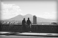 What a view!...graffiti in Naples (Antonio Piccialli) Tags: 2019 campania canon canonixus155 vicolidinapoli vesuvio centrostorico panorama landscape greatshot bn blackwhite bwartaward bianconero blackandwhite bw fluidr fluidrexplored flickr flickrclickx explore explored italy marzo passeggiata walk