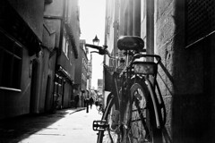 02.03.19 (r0seless) Tags: bike bw bnw monochrome street shadows shadow blackandwhite oxford light wall 35mm city sun analogue shade