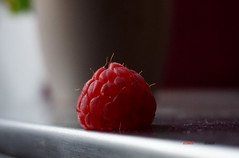 Looking close... on Friday!...  Hair (Fimeli) Tags: nature fruits obst red himbeere raspberry looking close friday on