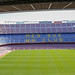 Tribüne und Spielfeld des größten europäischen Fußballstadions Camp Nou in Barcelona, Spanien