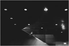 . (an to nin) Tags: oullins métro lyon nb bw sombre escalier