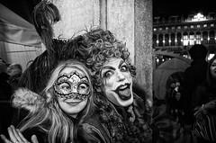 L'elogio della follia (encantadissima) Tags: venezia veneto piazzasmarco caffèflorian maschere people bienne street smile