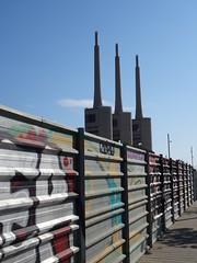 (Joan Pau Inarejos) Tags: badalona barcelonès nord catalunya 2019 primavera spring coriveu chimeneas xemeneies central tèrmica sant adrià santadriàdebesòs besòs arte callejero urban art street