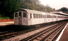 1697 @ Newbury Park (Chris W 72) Tags: londonunderground 62tubestock 62ts centralline 1697 newburypark newburyparkstation