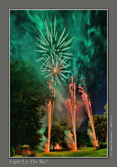 Unseasonal Fireworks (setsuyostar) Tags: fireworks newsteadabbey wedding summer2017 august2017 canoneos5dii longexposure kenhawley