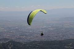 IMG_5848 (Stefan Kusinski) Tags: clermontferrand auvergne france puydedôme paraglider paragliding