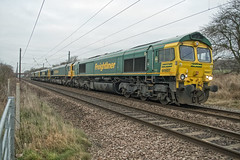 Freightliner Class 66 66607, 66622, 66514, 66590 & 66563 (Barry Duffin) Tags: train railway locomotive loco class66 66607 66622 66514 66590 66563 lightengine green yellow ecml freightliner nikon d500 1755 dslr