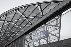 Bahnhof Elbbrücken (Elbmaedchen) Tags: ubahnhof hamburg elbbrücken u4 architektur architecture building glasfassade utopisch gekreuzt crossed railway station tube metro