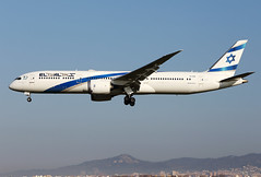 El  Al  Israel  Airlines / Boeing   B 787-9   4X-EDB / LEBL - BCN / fév 2019 (gimbellet) Tags: canon nikon spotting spotter boeing barcelone barcelona bcn elprat lebl planes transport transportation a320 a330 aviation a380 airplanes airbus a340 avions aeroport atr aircraft airport a350 aeronautique airplane aeroplane b787 b7879