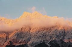 Sonnenuntergang auf der Zugspitze (godran25) Tags: europe europa montagne montagnes mountain mountains gebirge alpes alps sonnenuntergang coucherdesoleil nuages soleil zugspitze autriche österreich austria