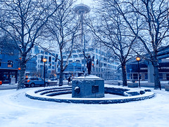 Chief Seattle Snow Day (zenseas) Tags: morning early snow snowing winter cold walk walking walkinghome seattle belltown washington tilikumplace chiefseattle iphonexsmax iphone seattlespaceneedle spaceneedle monorail explore explored