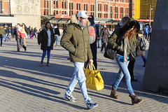 Stationsplein - Amsterdam (Netherlands) (Meteorry) Tags: europe nederland netherlands holland paysbas noordholland amsterdam amsterdampeople candid streetscene people center centrum centre stationsplein centraalstation boy homme guy male femme girl fille winter hiver man sneakers baskets trainers dutch nike nikeairmax90 airmax90 cute yellow jaune bag sac january 2019 meteorry