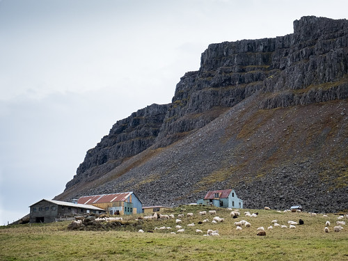 "Á Rauðasandi • <a style=""font-size:0.8em;"" href=""http://www.flickr.com/photos/22350928@N02/47044409302/"" target=""_blank"">View on Flickr</a>"
