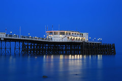 2018_05_06_0256 (EJ Bergin) Tags: sussex westsussex landscape worthing sunset beach sea seaside worthingpier seafront bluehour southernpavillion