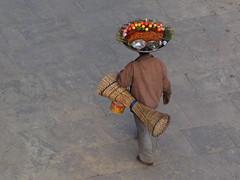 Varanasi - Snack seller (sharko333) Tags: travel reise voyage asia asien asie india indien uttarpradesh वाराणसी varanasi benares kashi hinduisme portrait people man wendor olympus em1