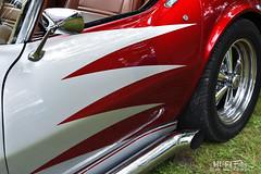 Not Red, Not White (Hi-Fi Fotos) Tags: chevy corvette chevrolet vette c3 stingray vintage classic custom stripes paint zigzag chrome american classiccar red white nikkor 50mm nikon d7200 dx hififotos hallewell